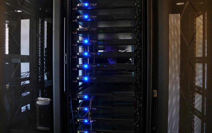 serveurs informatiques en rack